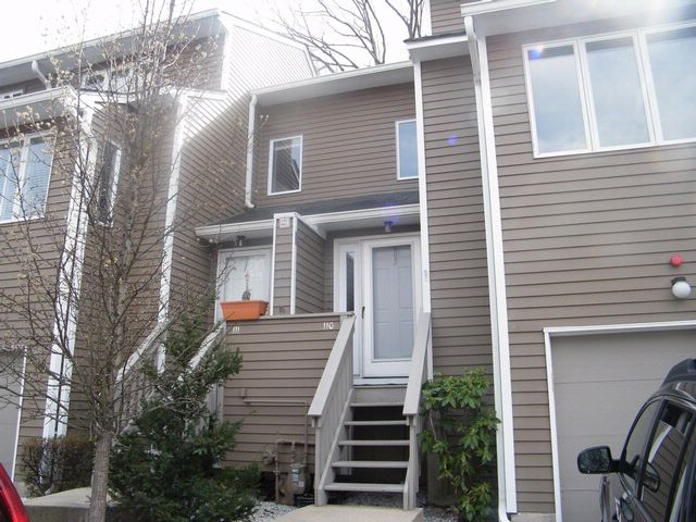 2 BR,  2.50 BTH  Townhouse style home in Bardonia